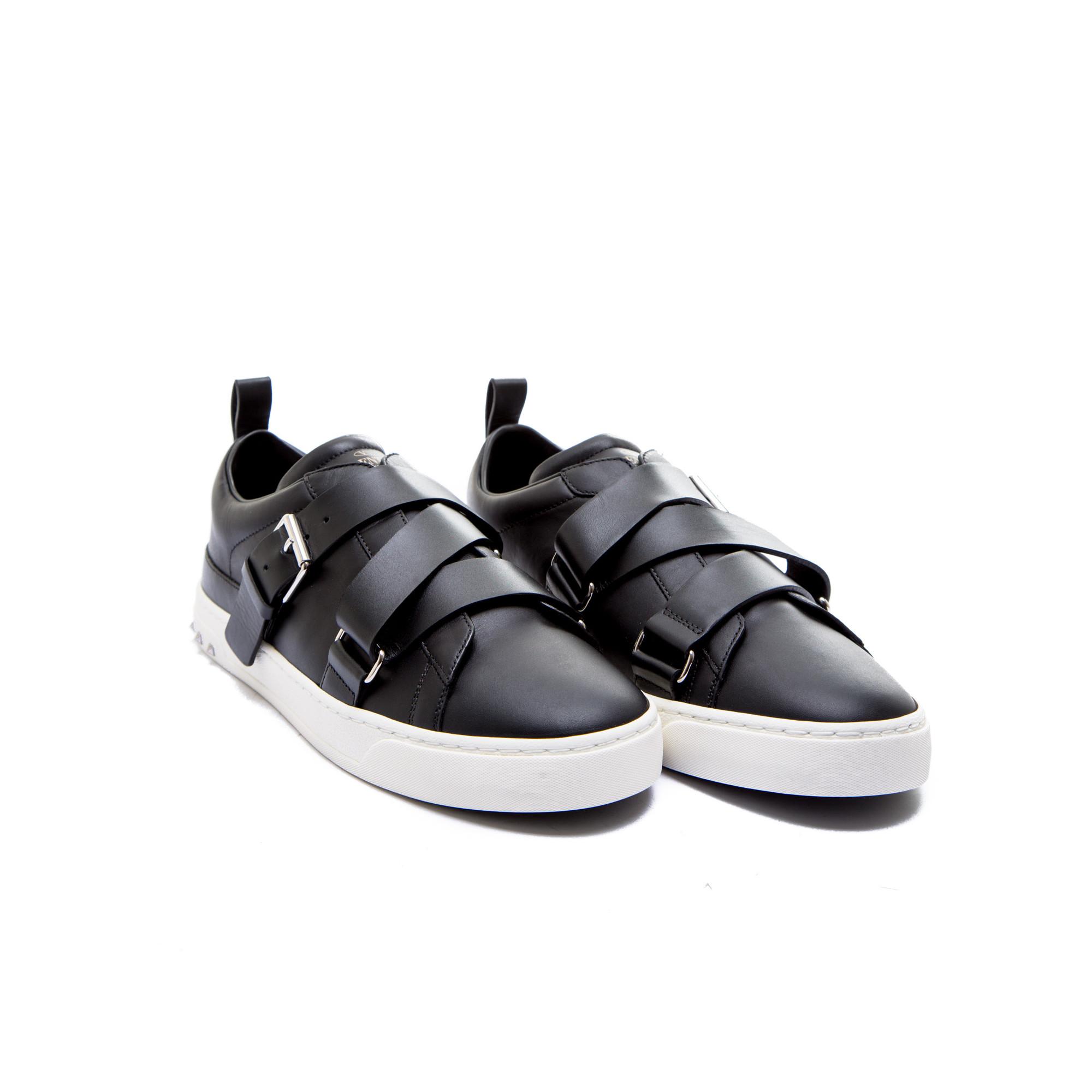 Valentino Chaussures Noires Avec Des Boucles Pour Les Hommes jnvjOB