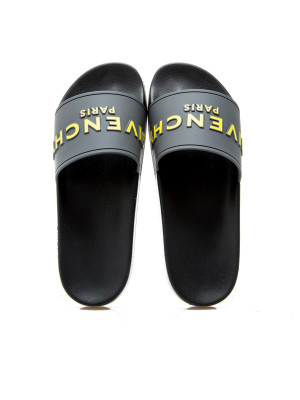 Givenchy slide sandal 105-00339
